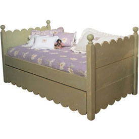 Scalloped Daybed w/ Pop-Up Trundle