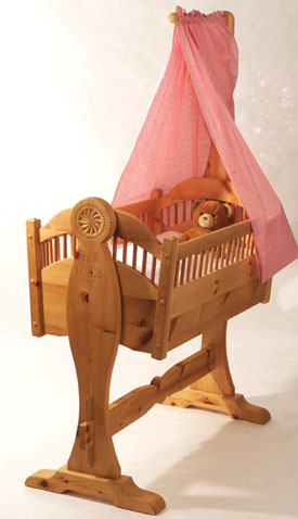 Alexia Heirloom Cradle