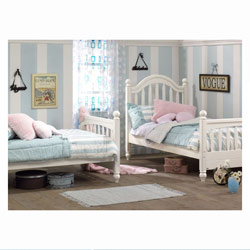 Natart Chelsea Twin Bed