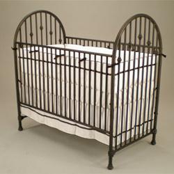 Juvenile Heirlooms Vintage Iron Crib