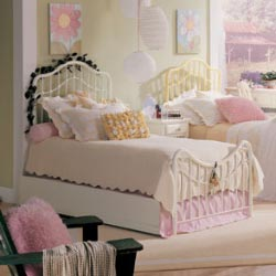 Lea Furniture Lilly Metal Bed