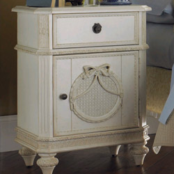Lea Furniture Emma's Treasures Nightstand