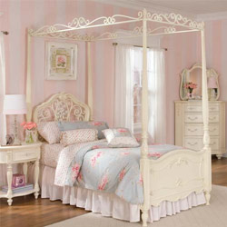 Lea Furniture Heather Metal and Wood Poster Bed