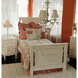 Newport Cottages Alexis Twin Bed