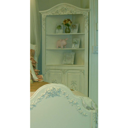 Queen's Rose Corner Bookshelf