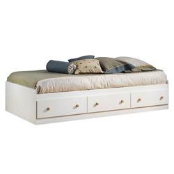 Jennifer Mates Bed Box