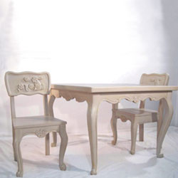 Hand Carved Bunny Table & Chair Set