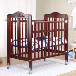 Natalie Portable Crib