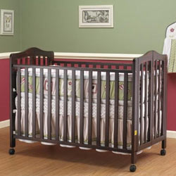 Lisa Full Size Foldable Crib