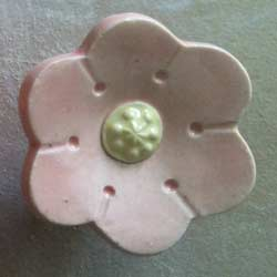 Pretty Daisy Furniture Knob