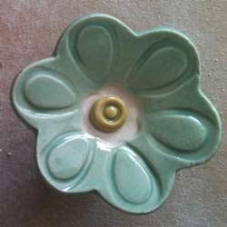 Delightful Daisy Furniture Knob