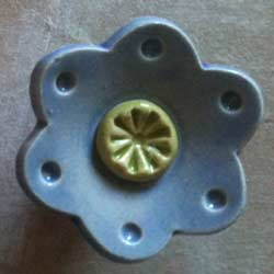 Daisy Dot Furniture Knob