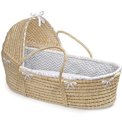 Natural Hooded Moses Basket with Chevron Bedding