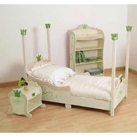 Pretty  Pique Toddler Bedding