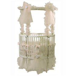 Baby Dear Heart Shaped Crib