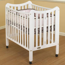 Tian Portable Crib