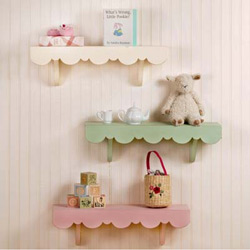 Scalloped Cottage Shelves