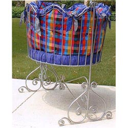 Contemporary Oval Iron Baby Cradle
