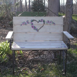 Lovely Heart Toddler Bench