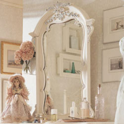 Jessica McClintock Vertical Mirror