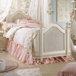 Princess Beatrice Mansion Bed
