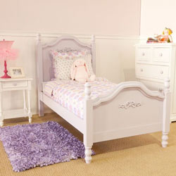 Cape Cod Beadboard Bed with Bows