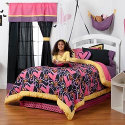 Sassy Shaylee Full Bedding Collection