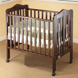 Tina Portable Crib