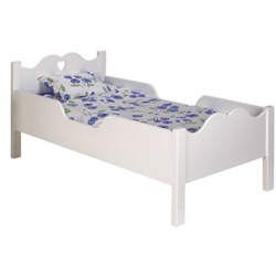 Scalloped Toddler Bed